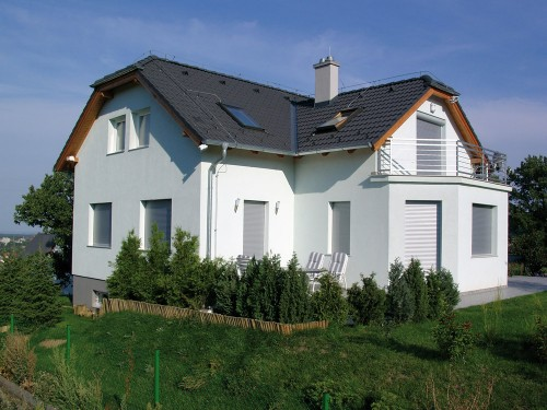 Einfamilienhaus mit Rollläden